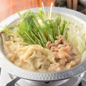 【餃子のとりいちず酒場 高円寺北口店】の水炊き餃子鍋